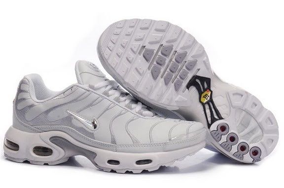 nike chaussure femmes tn