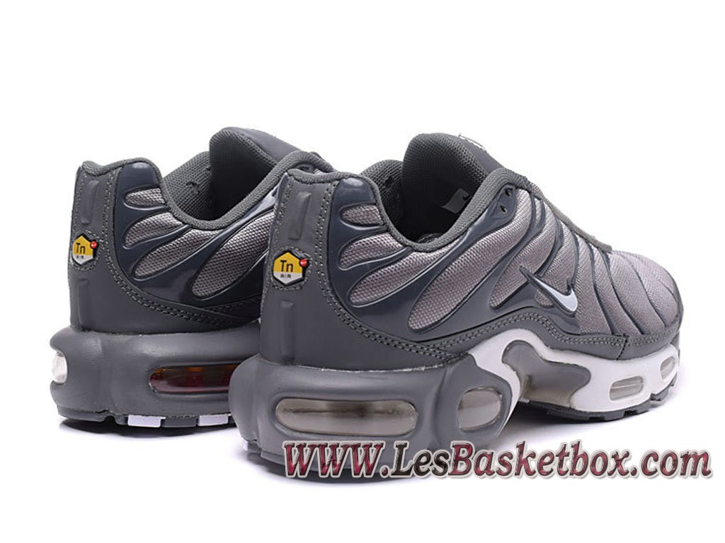 nike chaussures hommes tn